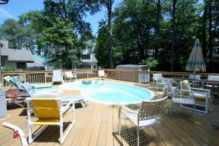 Pool with Large Rear Deck - Spacious 4 BR with Pool, 4 Blocks from the Beach, Huge Decks Includes Linens - Bethany Beach - rentals