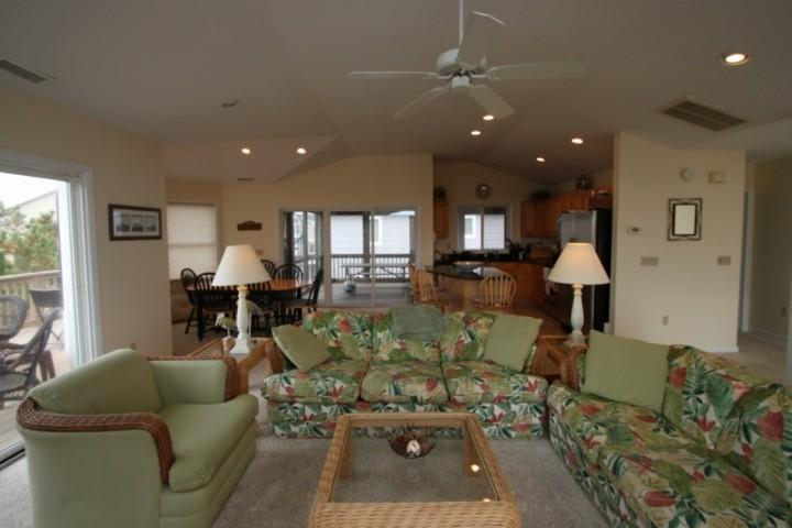 Great room - Ocean Block, Spacious and Beautifully Appointed with 3 Decks Sleeping Up to 12 - Bethany Beach - rentals