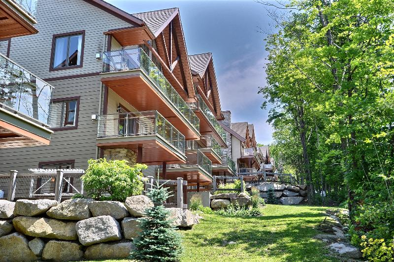 60 Well appointed slope side condos - 1 Bedroom Slope Side Condos in Bromont Quebec - Bromont - rentals