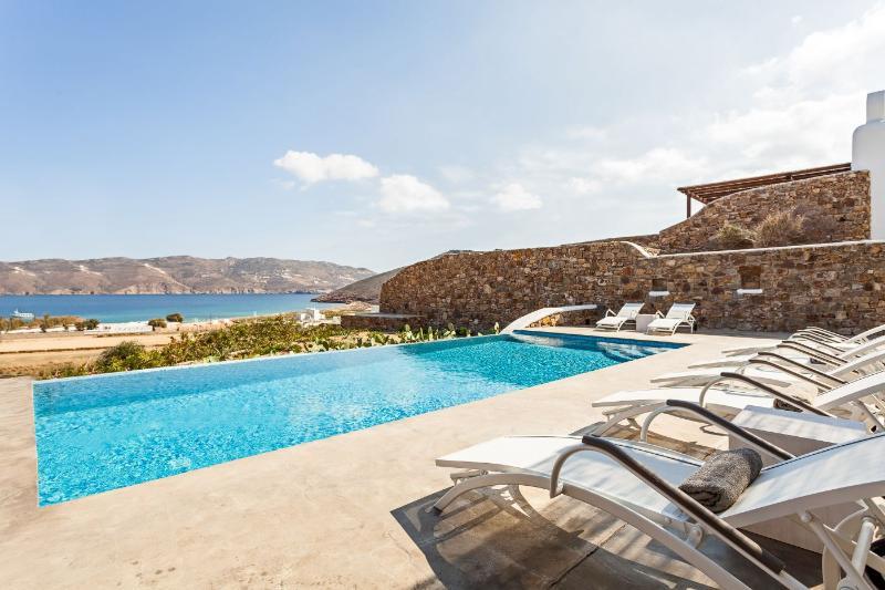 Villa Smaràgdi - Image 1 - Panormos - rentals