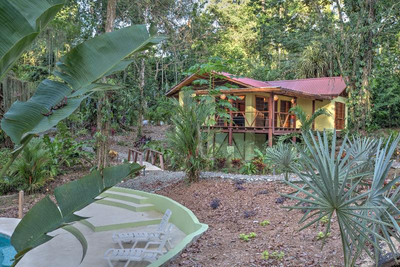 Casa Medina - Casa Medina: 2 bedroom jungle house with AC and huge pool - Puerto Viejo de Talamanca - rentals