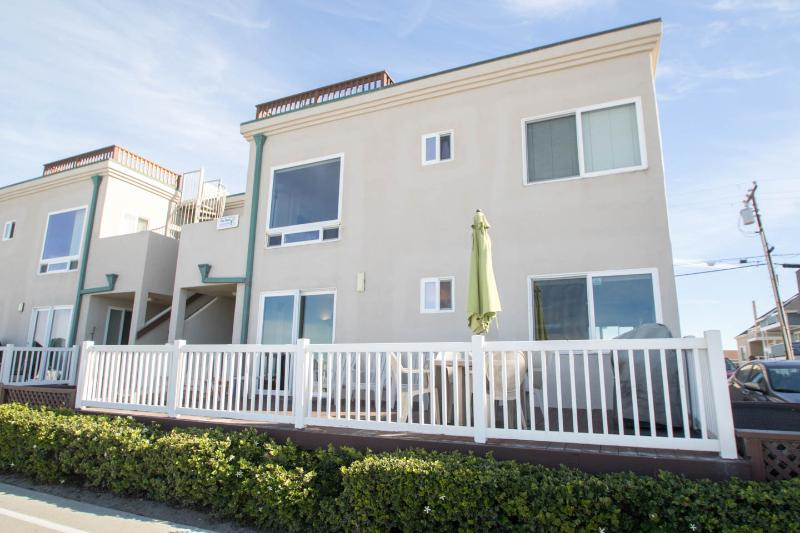 Ocean Front with Huge Private Patio! Kid-friendly! - Image 1 - Mission Beach - rentals