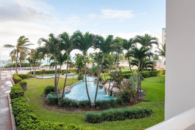 Beachfront in Millionaire's Row - Image 1 - Miami Beach - rentals