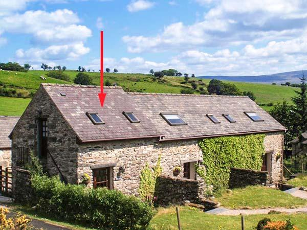 BWTHYN, pet friendly, character holiday cottage, with a garden in Betws-Y-Coed, Ref 1521 - Image 1 - Betws-y-Coed - rentals