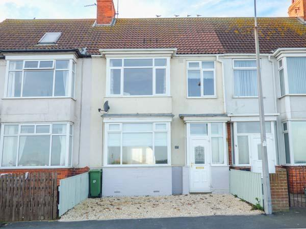SEA VIEW HOUSE, beachfront location, WiFi, pet-friendly, in Hornsea, Ref 918016 - Image 1 - Hornsea - rentals