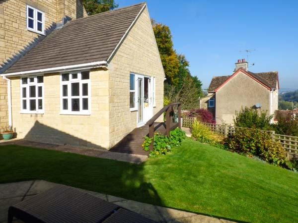 GARDEN VIEW, studio accommodation, hot tub, romantic retreat, in Nailsworth, Ref 927772 - Image 1 - Nailsworth - rentals