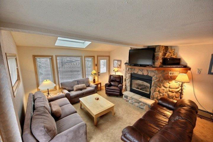 Ample, cushy seating around TV and fireplace! - Sunset One-250 yds to Central Main St & Snowflake Lift! Bus Stop at Property - Breckenridge - rentals