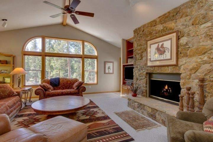 Melt into the spectacular furnishings and relax! - Moonstone: Stunning Home - Private Hot Tub, Gorgeous Floor Plan & Decor - Breckenridge - rentals
