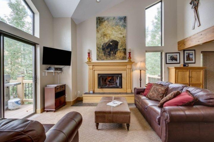 NEWLY REMODELED! Open Floorplan/High Ceilings/Gas Fireplace - Sawmill Creek Village - Stay Where the Ski Run Ends and Main Street Begins - Breckenridge - rentals