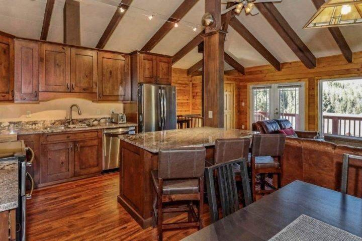 Plenty of seating - Illinois Gulch-100 Yds to Free Bus, Wood Fireplace, Gourmet Kitchen, WoW Views - Breckenridge - rentals