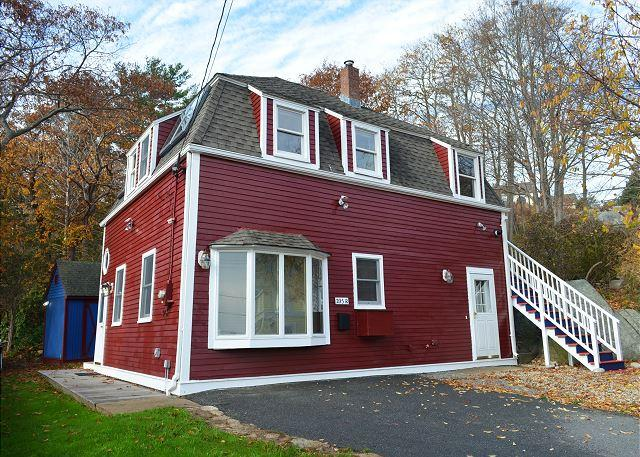 Little Red House: Close to Gloucester's historic Stage Fort Park & beaches - Image 1 - Gloucester - rentals
