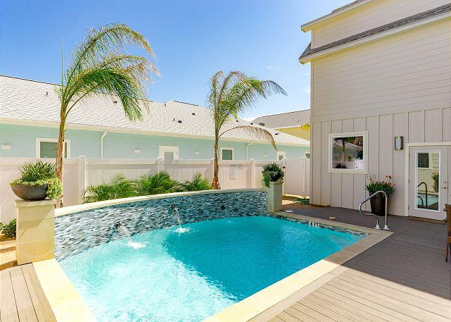 Pool!! - Sea of Tranquility: FREE GOLF CART, Community Pool, Close to Beach, Sleeps 8 - Port Aransas - rentals