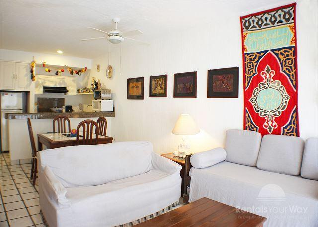 Xaman Ha 7020 Playa del Carmen Living Room  - Oceanfront with pool 1 bedroom in Xaman Ha (XH7020) - Playa del Carmen - rentals