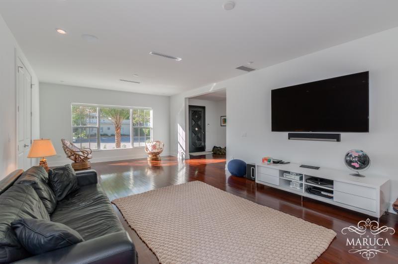Relaxing living area.. - Luxury Villa Eirene - Miami Beach - rentals