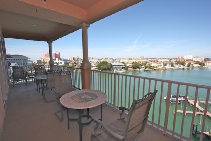 Large Private Patio with Seating for 6 Overlooking the Beautiful Clearwater Beach Intercoastal - 603 Harborview Grande - Clearwater Beach - rentals