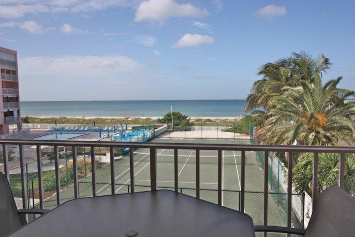 Beautiful Private Patio with Seating for 4-6 Overlooking the Amazing Gulf of Mexico! - 210 Reef Club - Indian Rocks Beach - rentals