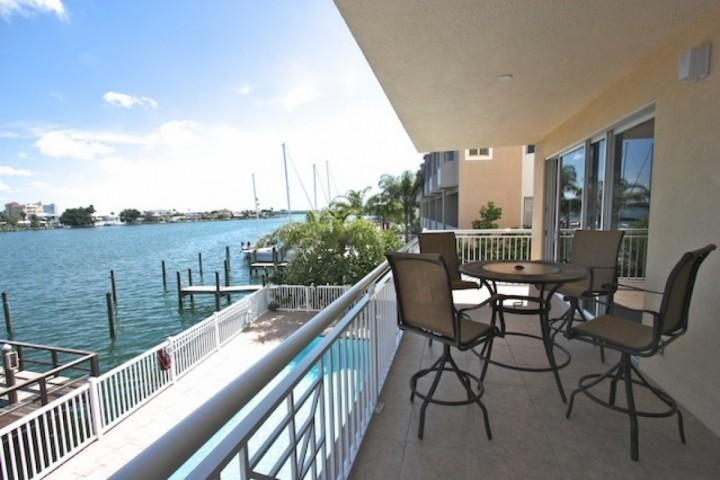 Beautiful Private Patio with Seating for 4-Watch the dolphins and boats go by or catch a sunset while enjoying a refreshing beverage - 204 Bay Harbor - Clearwater Beach - rentals