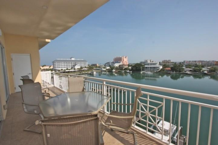 Private Patio with Seating for 6 Overlooking The Beautiful Clearwater Intercoastal - 502 Bay Harbor - Clearwater Beach - rentals