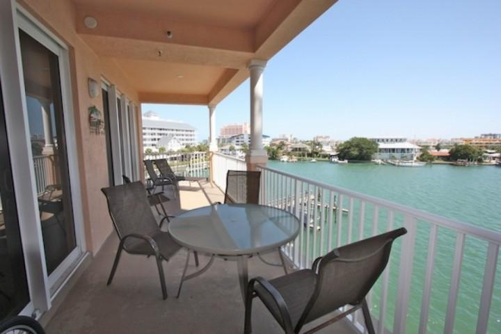 Large Waterfront Patio with Seating for 6-8-Enjoy a Savory Meal or Cocktail while Catching a Sunset........... - 403 Harborview Grande - Clearwater Beach - rentals