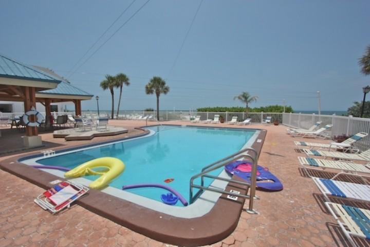 Redington Shores Florida Vacation Rental Condo - Two Bedroom, Two Bath-Heated Communal Pool with Hot Tub - 201 San Remo - Redington Shores - rentals