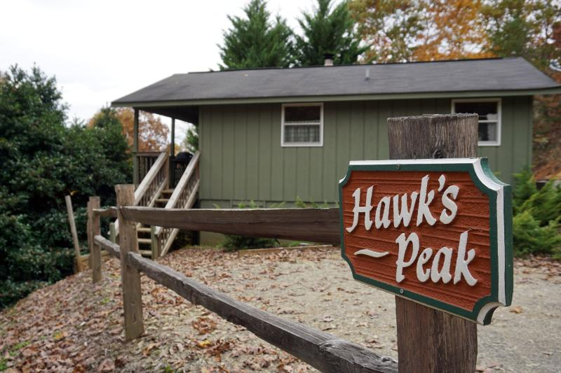 Side view by parking space - Hawk's Peak at Paradise Hills Winery Resort - Blairsville - rentals