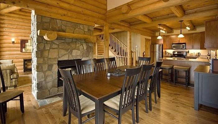 This beautiful log home features towering ceilings and a huge open-floor plan. - Mont Tremblant Blueberry Lake Incredible 5 Bedroom Chalet - Labelle - rentals