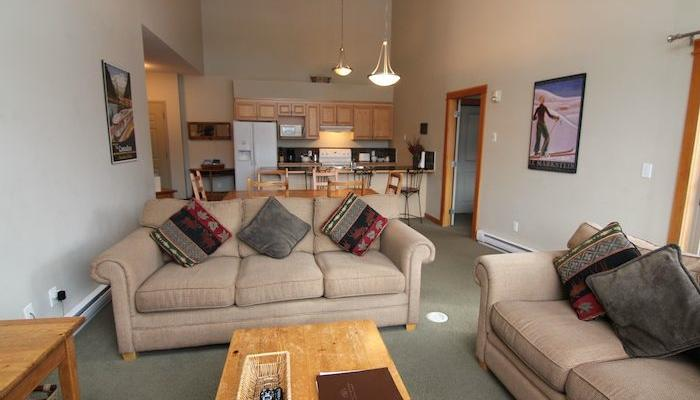 Lounge in this comfortable living area after a day exploring the Rockies. - Canmore Crossing 3 bedroom 2 bathroom penthouse - Canmore - rentals