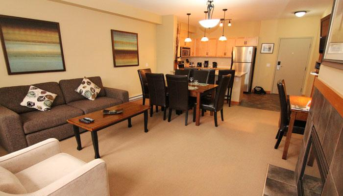 Open floor plan with excellent finishings - lots of space to gather together and relax - Lodges at Canmore 2 Bedroom Premium Condo - Canmore - rentals