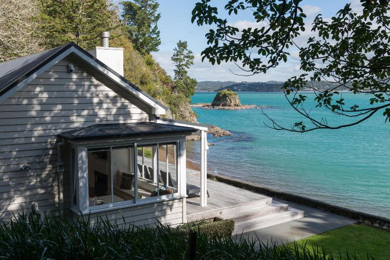 Exterior with water views - Tahapuke, Bay of Islands - Russell - rentals