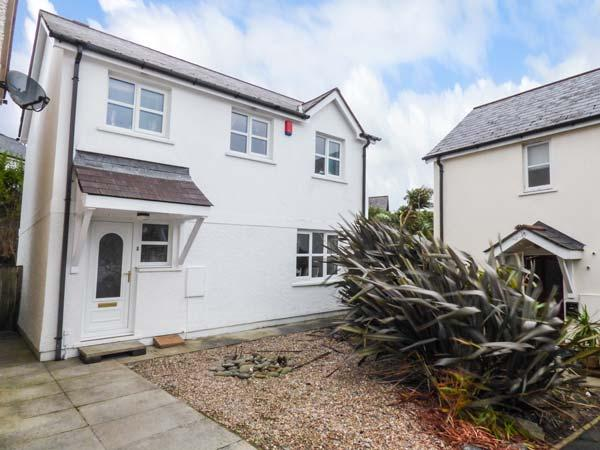 DRIFTWOOD HOUSE, detached, private garden, pet-friendly, TV in all bedrooms, WiFi, Saundersfoot, Ref 929464 - Image 1 - Saundersfoot - rentals