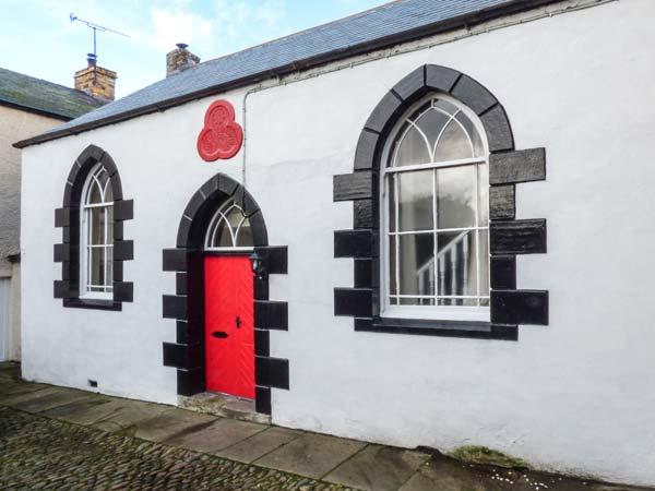 OLD ODDFELLOWS HALL, pet-friendly cottage, woodburner, WiFi, in Brough, Kirkby Stephen, Ref 929936 - Image 1 - Kirkby Stephen - rentals