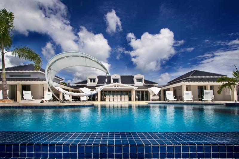 Unbelievable Luxurious and Contemporary Beach Front Villa - Image 1 - Terres Basses - rentals