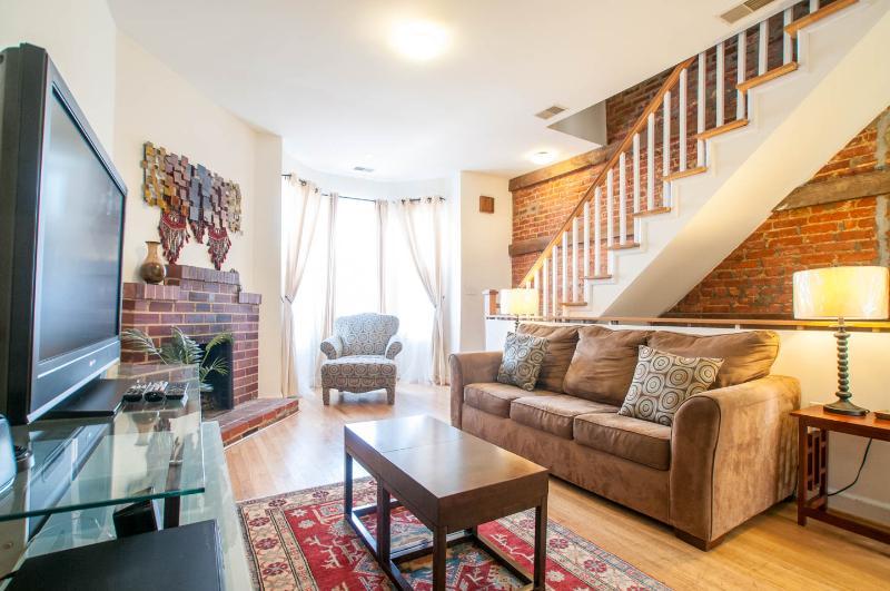 Cap.Hill Luxury3BR1.5 BA-StepsToCapitol&UnionStatn - Image 1 - Washington DC - rentals