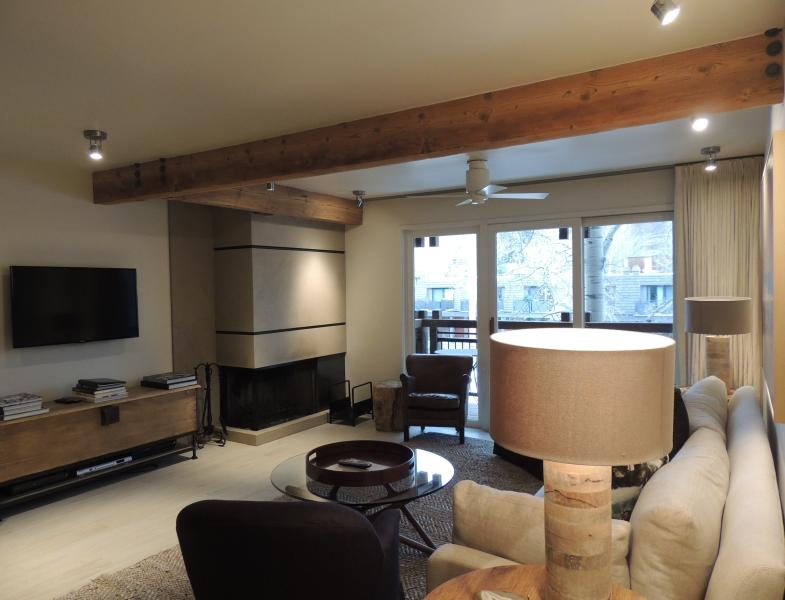 Living room - Beautiful 2 Bedroom, 2 Bathroom Condo in Aspen (Lift One - 203 - 2B/2B) - Aspen - rentals