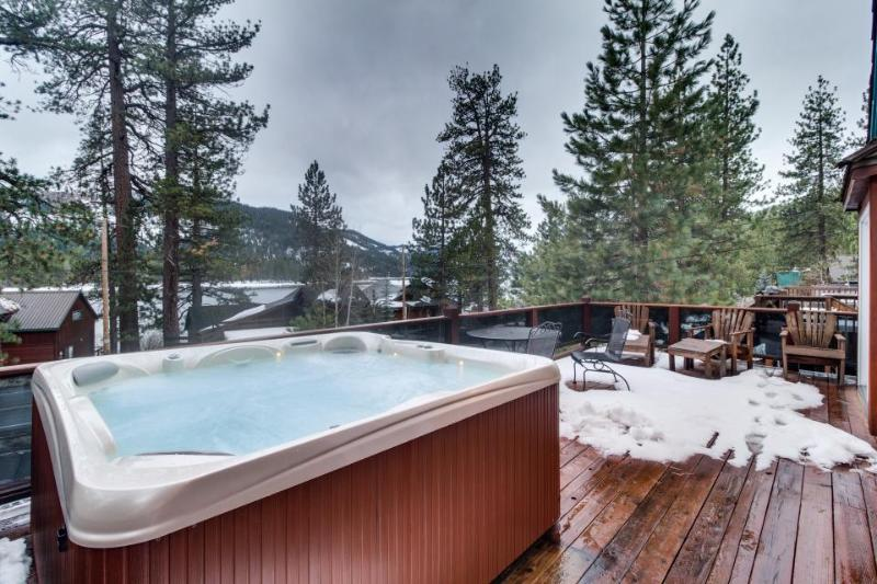 Lovely cabin across from Donner Lake w/hot tub & great views - Image 1 - Truckee - rentals