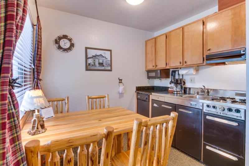 Shared seasonal pool, private beach, up to four guests! - Image 1 - Tahoe Vista - rentals