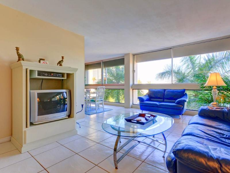 "Palm Bay Club G46, 1 Bedroom, 40"" HDTV, Heated Pool, WiFi, Sleeps 4 - Image 1 - Siesta Key - rentals"