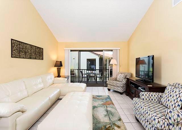 Siesta Dunes Beach 201, 2 Bedrooms, Large Heated Pool, Spa, WiFi, Sleeps 6 - Image 1 - Siesta Key - rentals