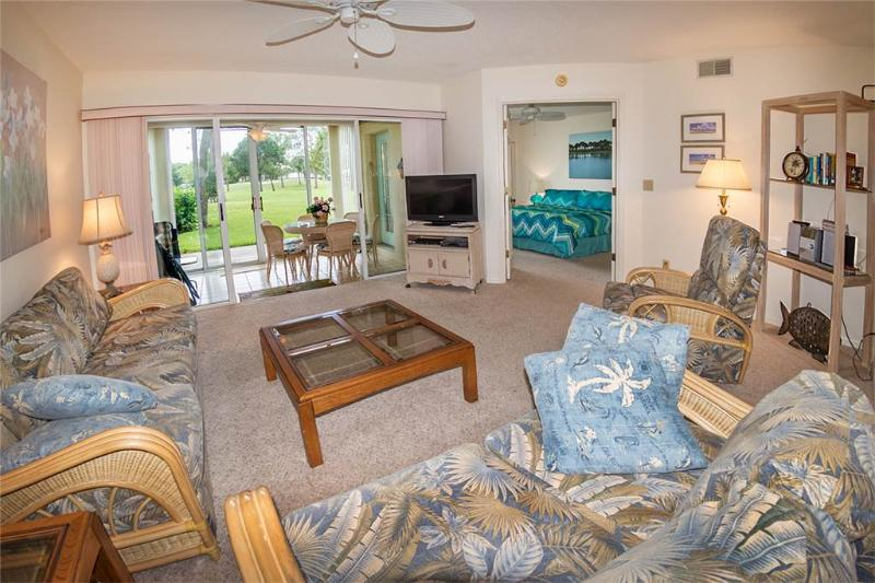 Tangerine condo at Plantation Venice Florida, 2 Bedrooms, Pool, Sleep 6 - Image 1 - Venice - rentals