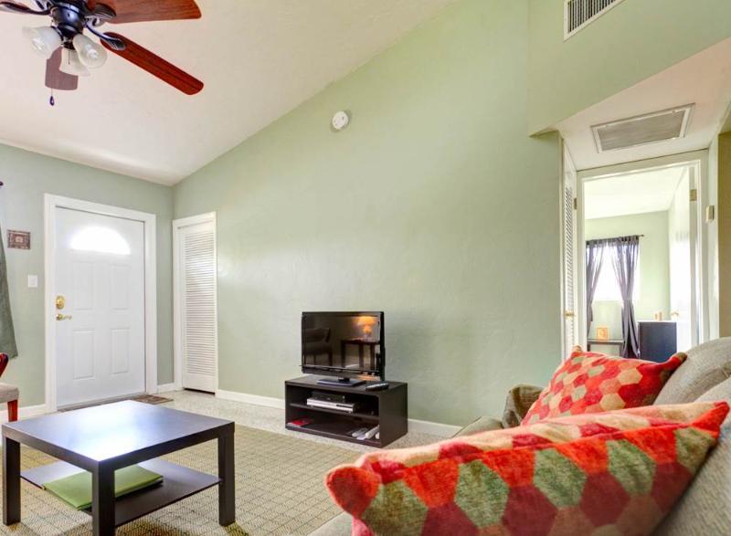 Venice Harbor 606, 2 Bedrooms, Pet Friendly, WiFi, Sleeps 4 - Image 1 - Venice - rentals