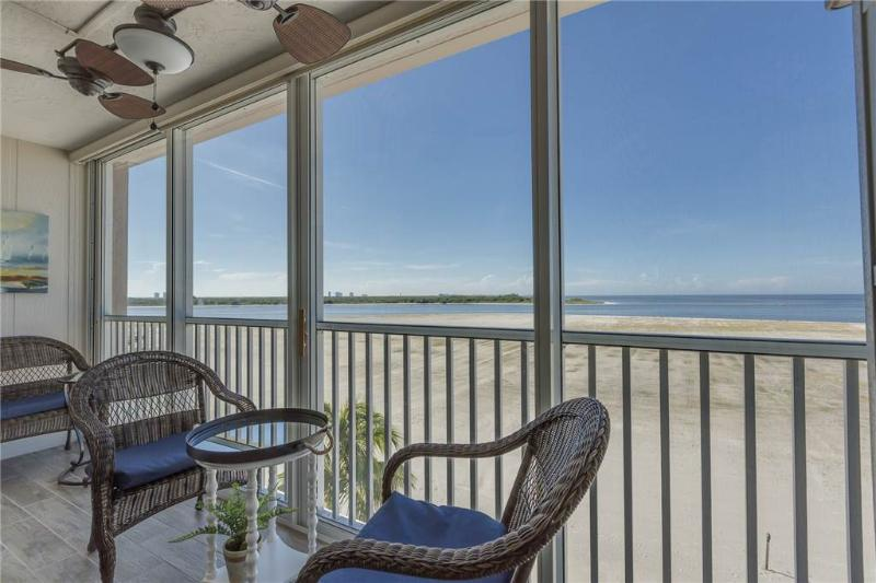 Castle Beach 402, 2 Bedrooms, Gulf Front, Elevator, Heated Pool, Sleeps 6 - Image 1 - Fort Myers Beach - rentals
