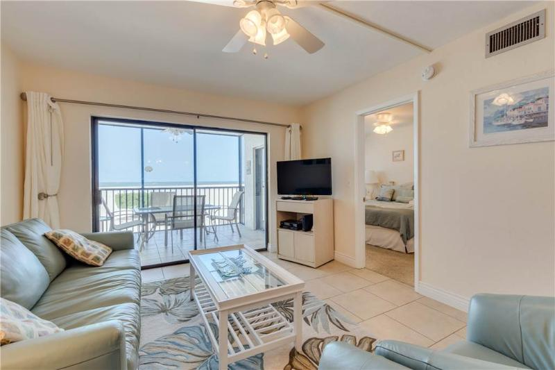 Carlos Pointe 113, 2 Bedrooms, Gulf Front, Elevator, Heated Pool, Sleeps 6 - Image 1 - Fort Myers Beach - rentals