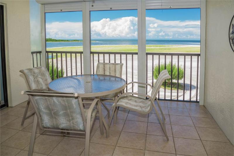 Carlos Pointe 312, 2 Bedrooms, Gulf Front, Elevator, Heated Pool, Sleeps 6 - Image 1 - Fort Myers Beach - rentals