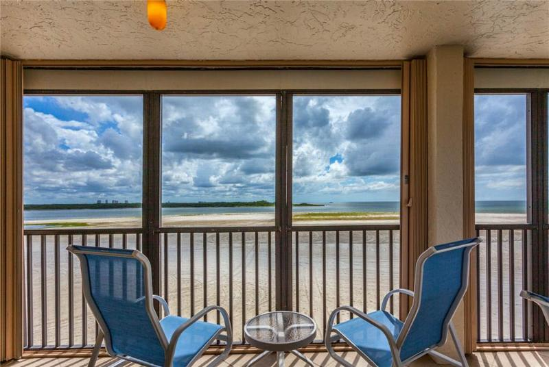 Carlos Pointe 336, 2 Bedrooms, Gulf Front, Elevator, Heated Pool, Sleeps 6 - Image 1 - Fort Myers Beach - rentals