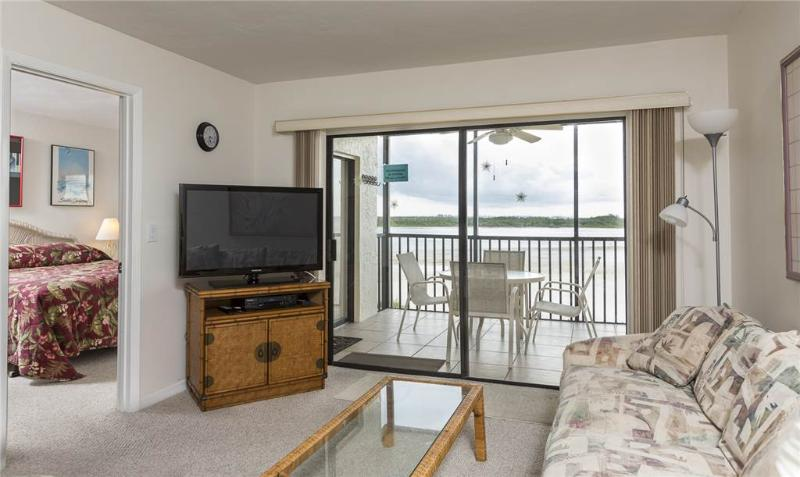 Carlos Pointe 422, 2 Bedrooms, Gulf Front, Elevator, Heated Pool, Sleeps 6 - Image 1 - Fort Myers Beach - rentals