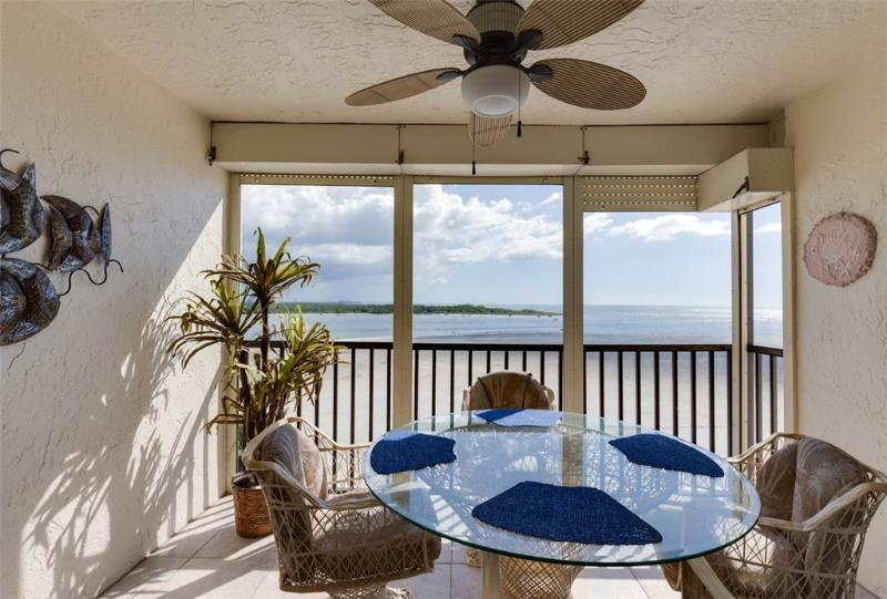 Carlos Pointe 623, 2 Bedrooms, Gulf Front, Elevator, Heated Pool, Sleeps 6 - Image 1 - Fort Myers Beach - rentals