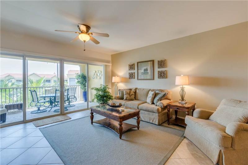 Bella Lago 343, 2 Bedrooms, Elevator, Heated Pool, Tennis, Gym, Sleeps 4 - Image 1 - Fort Myers Beach - rentals