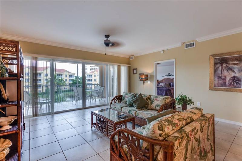Bella Lago 431, 3 Bedrooms, Elevator, Heated Pool, Tennis, Gym, Sleeps 6 - Image 1 - Fort Myers Beach - rentals