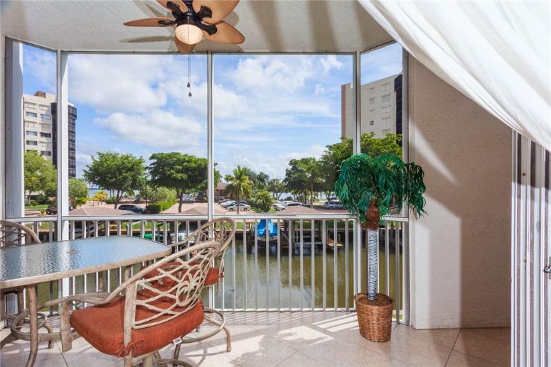Casa Marina 612-6,2 Bedroom, Canal Front, Pool, Elevator, WiFi, Sleeps 6 - Image 1 - Fort Myers Beach - rentals