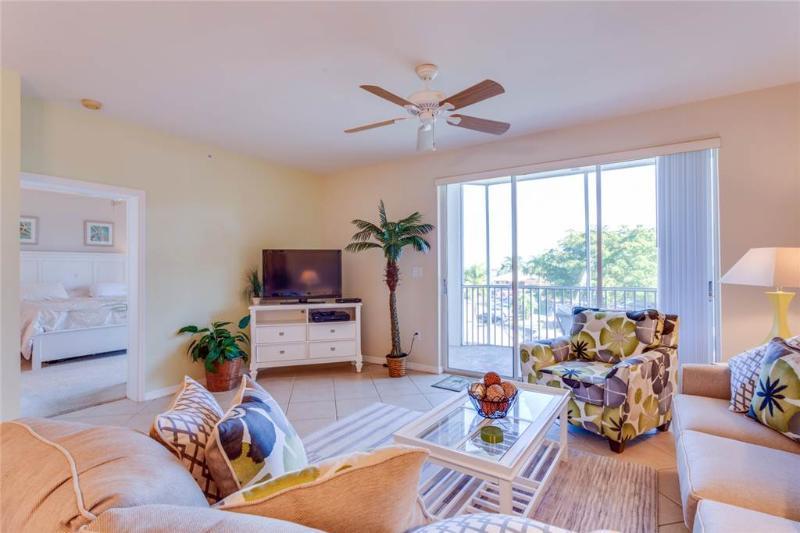 Casa Marina 623-6, 2 Bedroom, Canal Front, Pool, Elevator, WiFi, Sleeps 6 - Image 1 - Fort Myers Beach - rentals